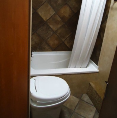 Rent RV Denver KZ Sportsmen Bathroom