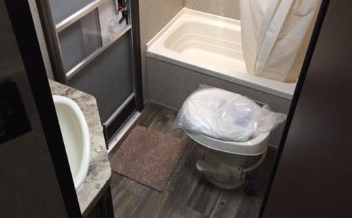 GreyWolf274DBH Bath